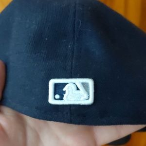 New Era Accessories - Mens New Era NY Yankees fitted hat